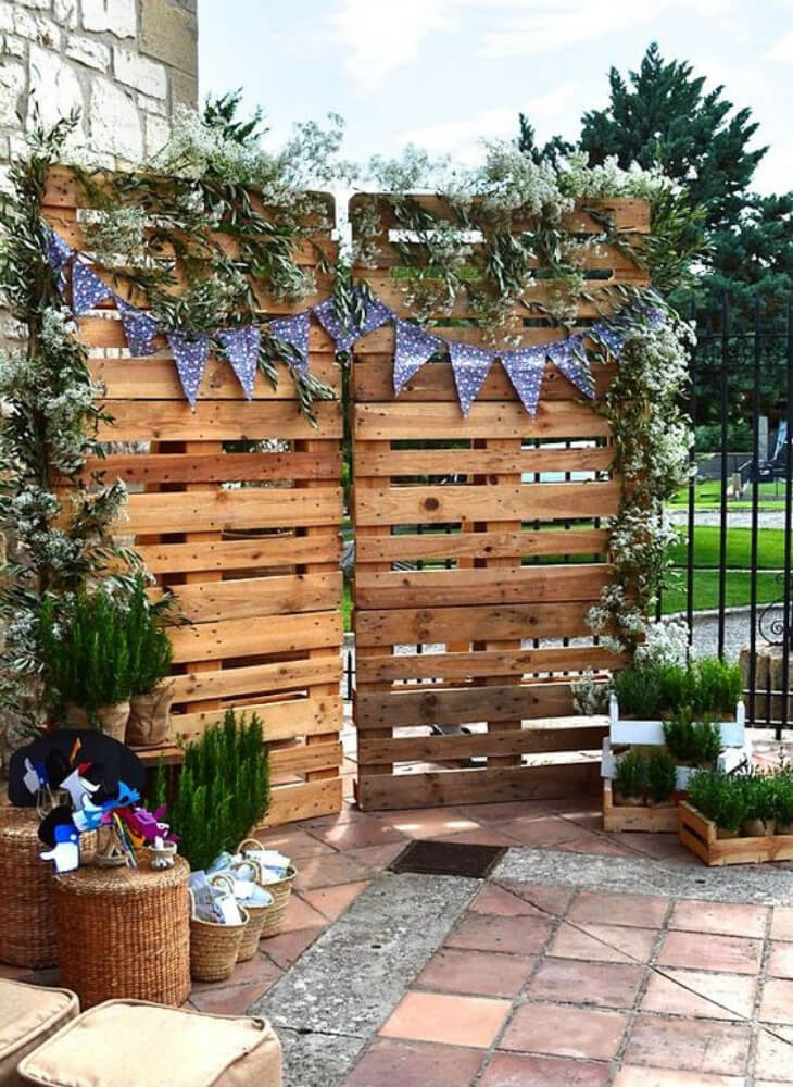Photocall de palets. Ideas para bodas divertidas y originales.